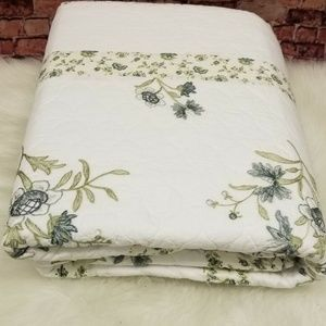 MARTHA STEWART COLLECTION TWIN QUILTED FLOOR LENGT